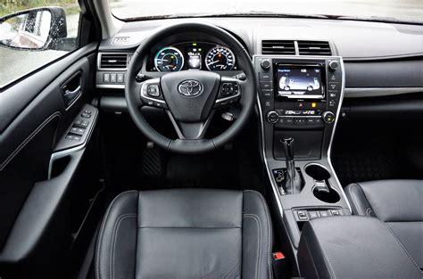 toyota camry hybrid xle  car magazine