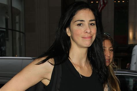 sarah silverman armpits snl cast parties with maroon 5 and inherent vice stars