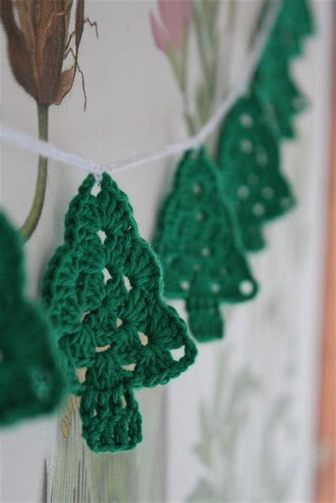 christmas tree granny square pattern 1000 images about crochet christmas decorations on