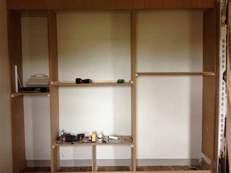 Faire Des étagères Dans Un Placard cuisine diy un mur de placards la clamartoise fabriquer