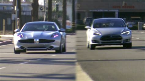 Tesla Model S Vs Chevy Volt Chevy Volt Vs Tesla Model S Amazing Tesla