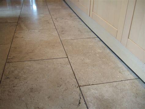 travertine bathroom floor travertine tile floor