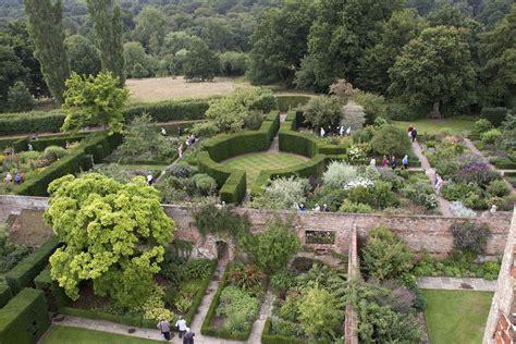 W Garden Great Gardens Sissinghurst Castle Garden The