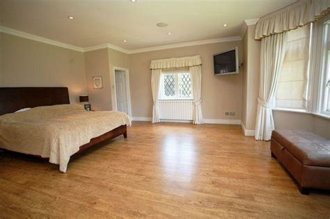 laminate flooring in bedrooms get on the floor part i kaodim