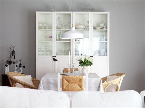 farbbeispiele für wände wohnzimmer farben petrol