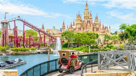 theme parks   latest craze  indian travellers