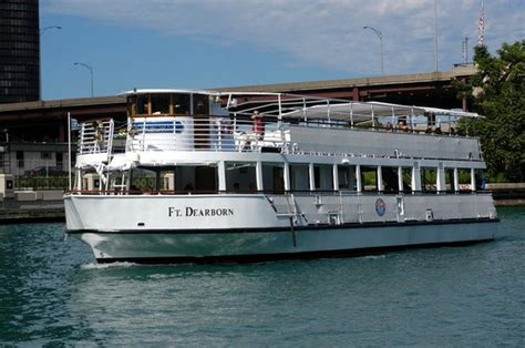 chicago architectural boat tour mcclurg our flagship the ft dearborn picture of chicago line