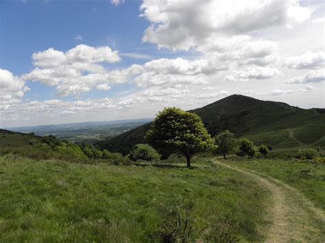 landscaping hills file malvern hills landscape jpg wikimedia commons