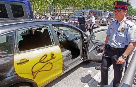 barcelona uber dos heridos en las protestas de los taxistas de barcelona