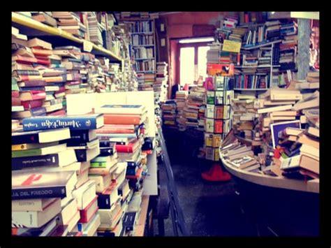 libreria acqua alta di frizzo luigi libreria acqua alta bookstores venezia italy yelp