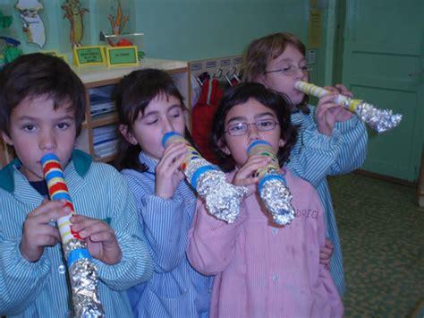 trompeta hecha con material reciclable imagui trompeta con material reciclado imagui