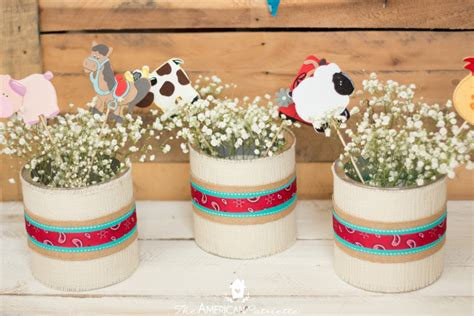 Burlap Vered Centerpieces For A Western Party The