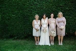 Ceremony Cards Sunny South Farm Wedding With An Outdoor Ceremony Natasha Amp Tom 183 Rock N Roll Bride