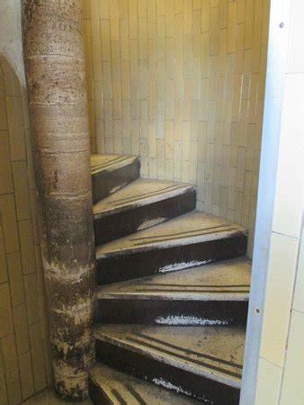 cupola san pietro visita una delle scale a chiocciola per salire sulla sommit 224