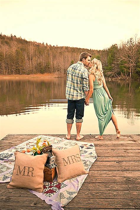Wedding Announcement Creative by 10 Creative Ideas For Engagement Announcements Venuescape