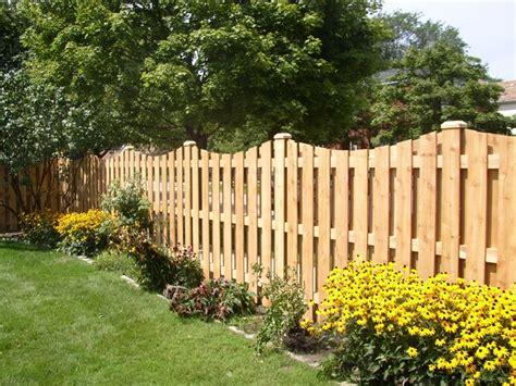 staccionate in legno per giardini recinzioni in legno recinzioni recinzioni di legno per