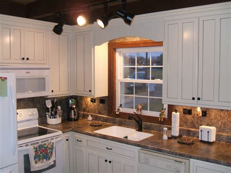 Brown Kitchen Cabinets With Granite Countertops by Brown Countertops White Cabinets 1 Size Of