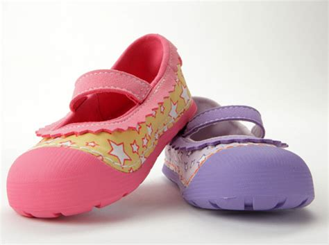 shopping for baby shoes essential tips when shopping for toddler shoes dansko