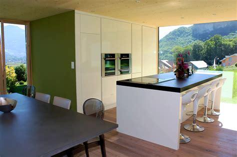 cuisine avec table int馮r馥 top agencement de cuisine design lot central with hotte
