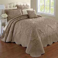 Quilts And Coverlets King Size 3 Best King Size Bedspreads Available In The Market