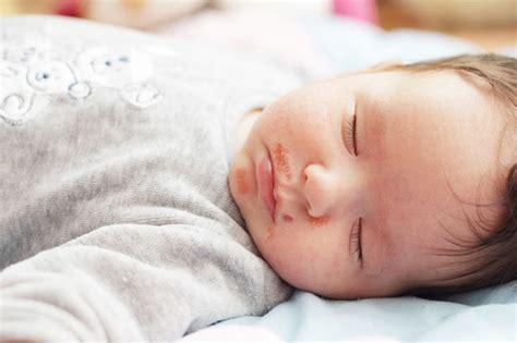 membuat alis tebal pada bayi kupas tuntas 3 mitos kulit bayi yang menyesatkan hello sehat