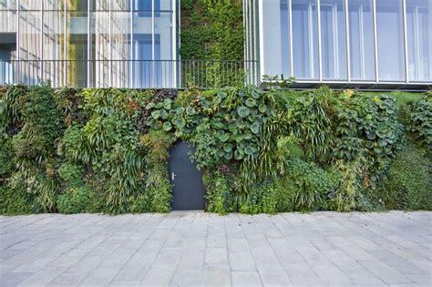 Vertical Garden Design Pdf Vertical Gardens In Europe Homedsgn