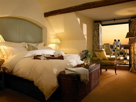 luxury accommodation suites hotel the 20 wastes of money and how to avoid them wondergressive