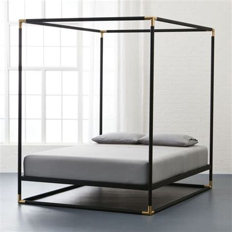 Metal 4 Poster Bed Frame Best 25 Iron Canopy Bed Ideas On Canopy Beds Traditional Canopy Beds And