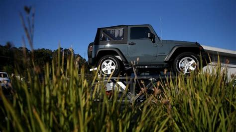jeep wrangler tow capacity what is the towing capacity of a jeep wrangler