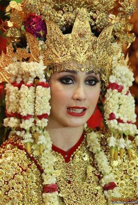 tutorial rias pengantin minang pengantin minang traditional wedding costumes from west