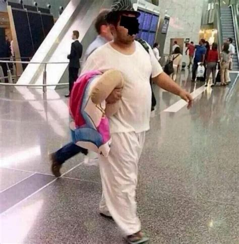 emirates guy viral gulf national s photo at airport goes viral emirates 24 7