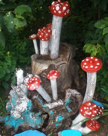 recycle  tree stump ideas