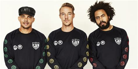 Major Lazer Globe major lazer spreads cheer with new single quot go dung quot