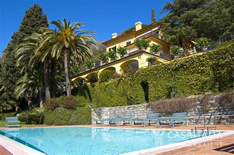 Garage Apartments luxury villa with swimming pool for sale in rapallo
