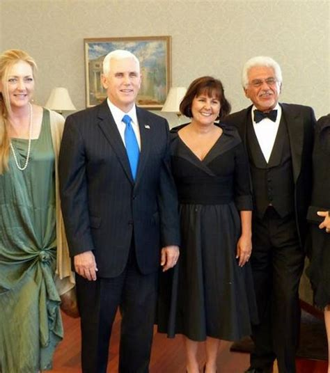 mike pence wife karen pence indiana gov mike pence s wife bio wiki