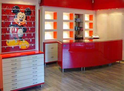 arredamenti ottica arredamenti per negozi di ottica ab arredamenti negozi