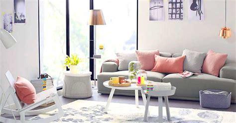 arredare con gusto il soggiorno soggiorno grigio e rosa 15 idee per abbinare con gusto
