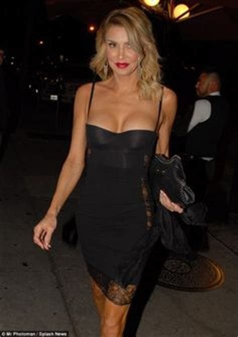 what color lipstick is brandi glanville wearing on real housewives wow i wish i could wear this dress as she does petra