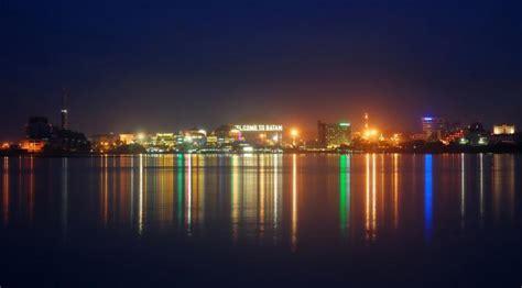 background jalan kota 7 kota di indonesia ini jadi lebih cantik ketika malam