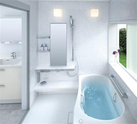 eckbadewanne für kleine bäder badeinrichtung ideen kleines bad m 246 belideen