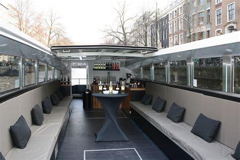 boten in amsterdam boot huren amsterdam prive rondvaart amsterdamse grachten