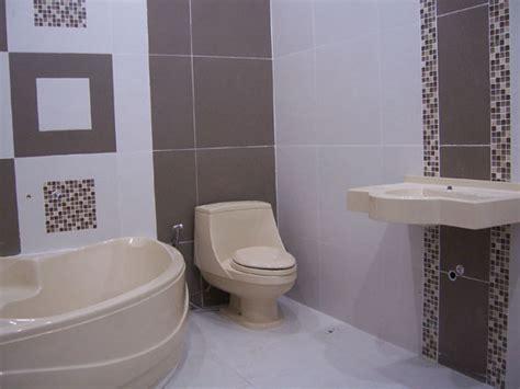 Handuk Mandi Mix Warna keramik dinding kamar mandi tips menciptakan kesan nyaman dekorasi kamar