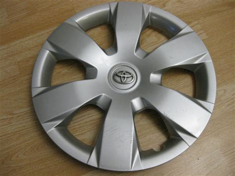 hubcap toyota camry 2009 find toyota camry hubcap 2007 2008 2009 factory original