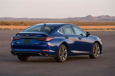lexus es 2019 lexus es our in person impressions and 2019