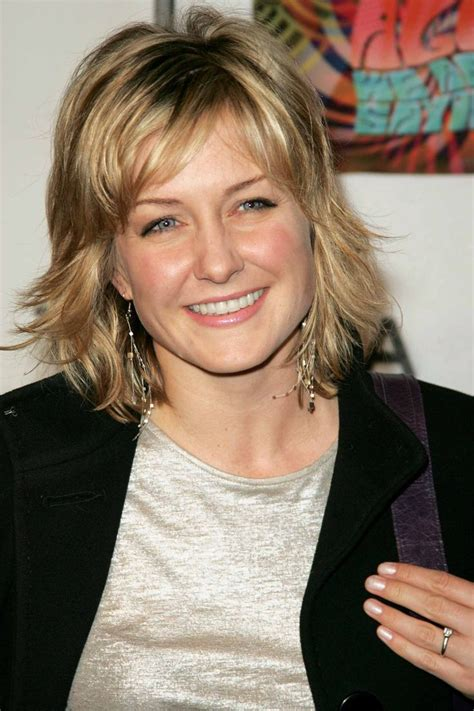 hairstyle of amy carlson amy carlson medium hairstyle hair styles pinterest