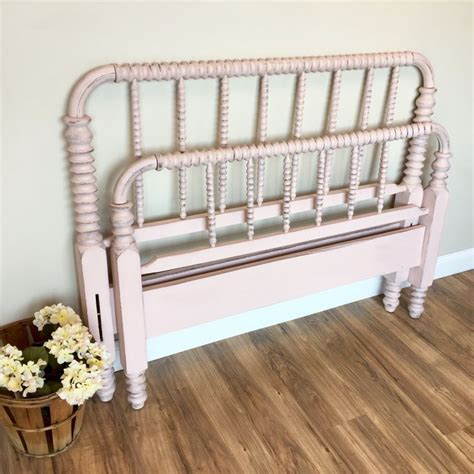 1000 ideas about spool bed on spindle bed