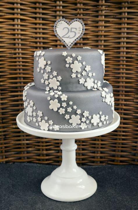 25 jaar getrouwd recept zilveren taart voor 25 jarig huwelijk laura s bakery