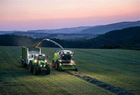 gefesselt schlafen claas mit neuer landtechnik auf der agritechnica