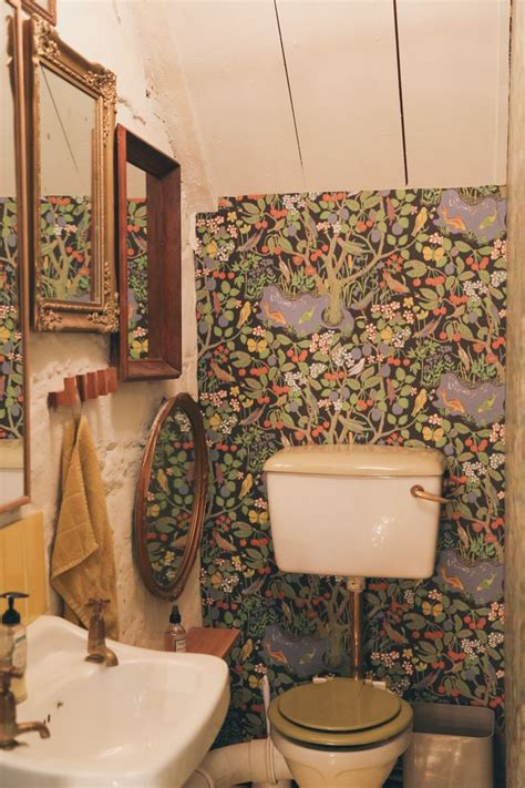 vintage bathrooms ideas best funky bathroom ideas on small vintage