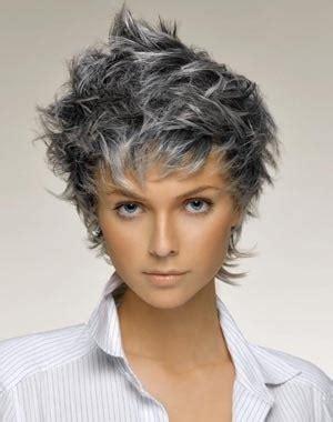 cheveux chatain meche grise coloration des cheveux moderne exemple coloration cheveux gris